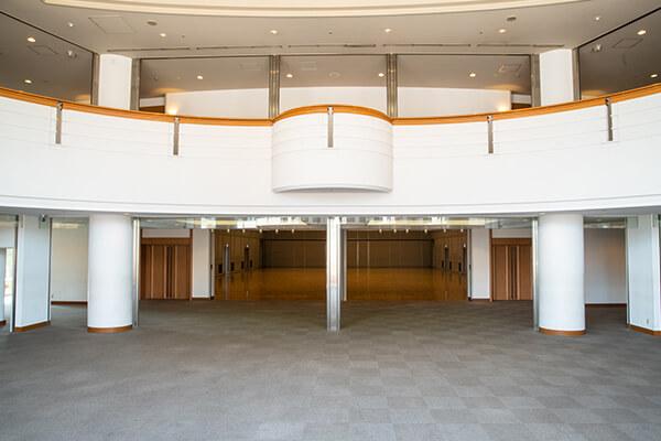 Hall foyer