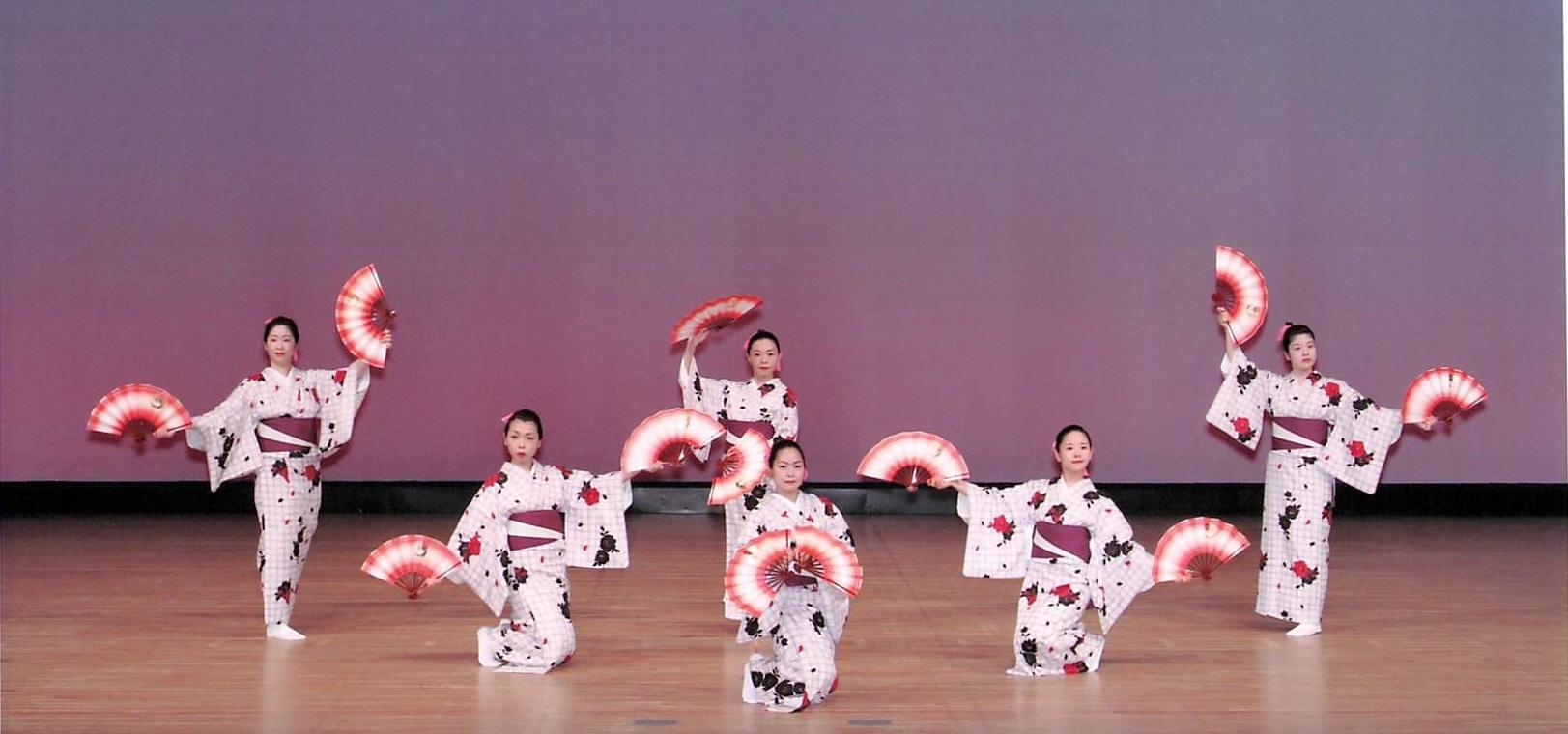 伝統の日本舞踊とロックやポップスが融合!